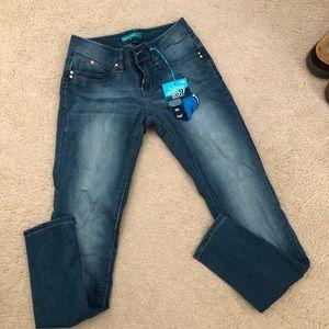 Wanna better butt jeans